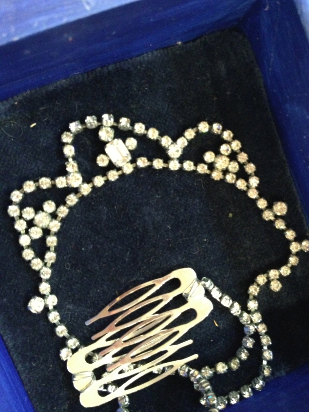 1950's necklace reloved into a 1920's style hair piece, looks awesome with a flapper dress